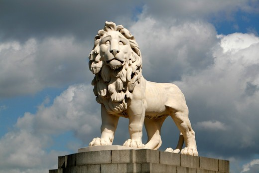 South Bank Lion by Westminster Bridge, South Bank, London, UK : Stock Photo
