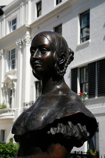 Statue of Queen Victoria in Victoria Square, Victoria, London, UK. Sculpture by Catherine Laugel. : Stock Photo