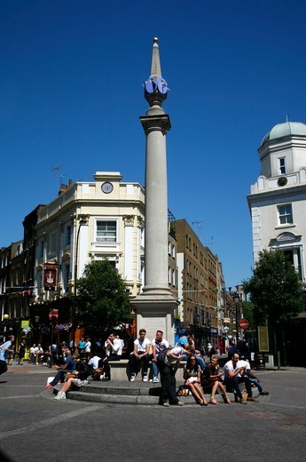 Seven Dials sundial monument in the middle of Seven Dials, Covent Garden, London, UK : Stock Photo