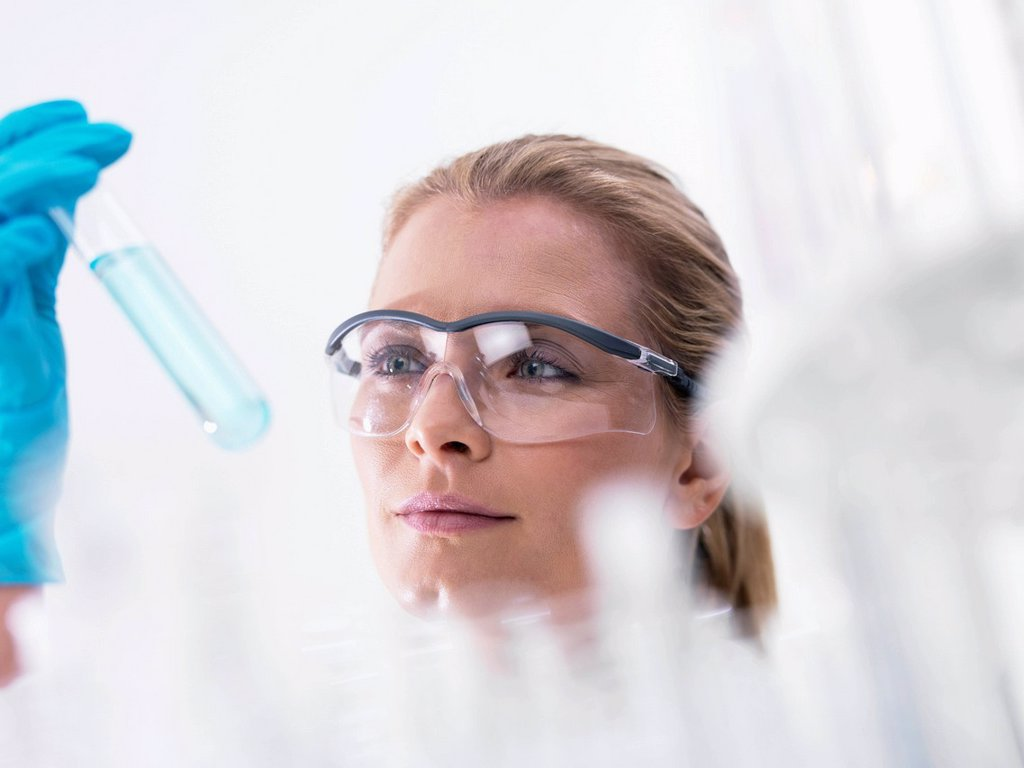 Stock Photo: 4128R-20727 Chemistry research