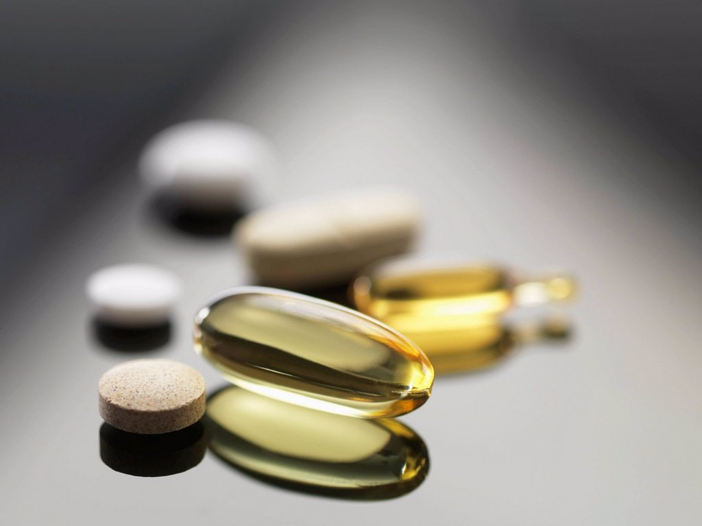 Stock Photo: 4128R-21115 Dietary supplements