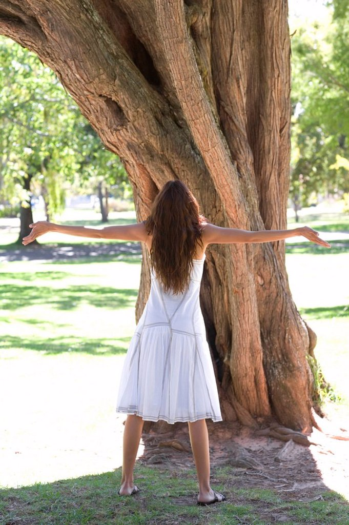 Stock Photo: 4128R-977 Tree hugging