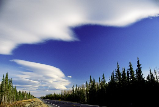 Stock Photo: 4141-10500 lenticular cloud front (indicative of windy conditions to come)