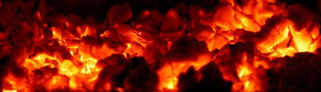 wood fire coals, washington, united states : Stock Photo