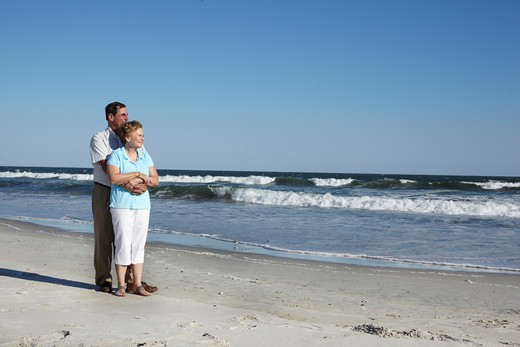 Stock Photo: 4145-137 Romantic couple on the beach, Far Rockaway, Queens, New York City, New York State, USA