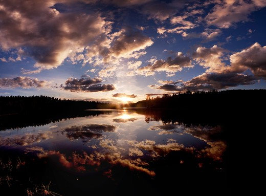 A dramatic sunset on a beautiful lake, Buskerud, Norway : Stock Photo