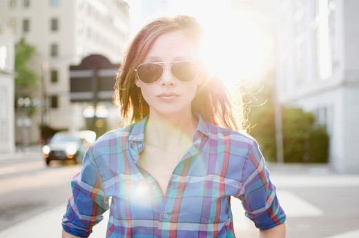 Stock Photo: 4152-169 Portrait of a woman wearing sunglasses