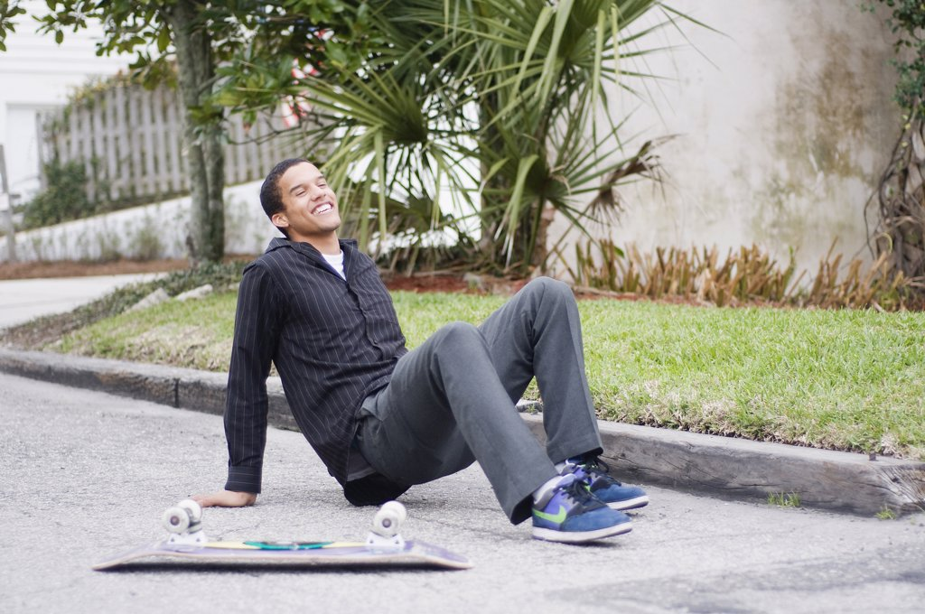 Stock Photo: 4152-275 Skateboarder falling
