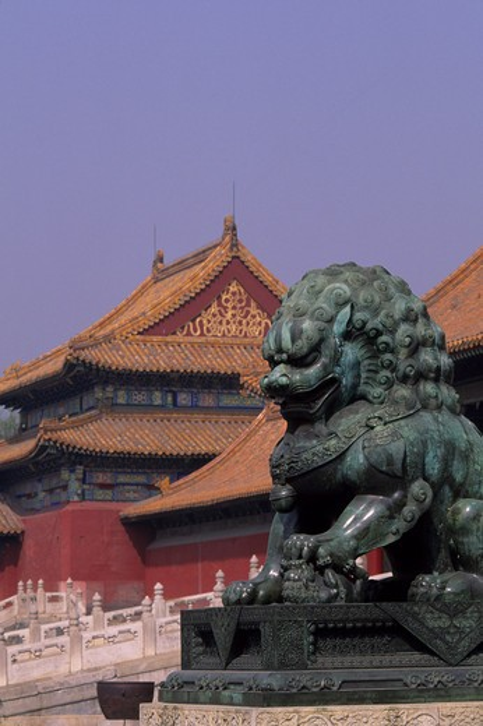 CHINA, BEIJING, FORBIDDEN CITY, BRONZE LION : Stock Photo