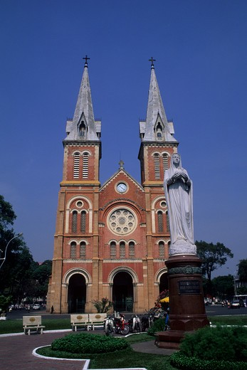 Stock Photo: 4163-10620 VIETNAM, HO CHI MINH CITY (SAIGON), NOTRE DAME CATHEDRAL, FRENCH COLONIAL ARCHITECTURE