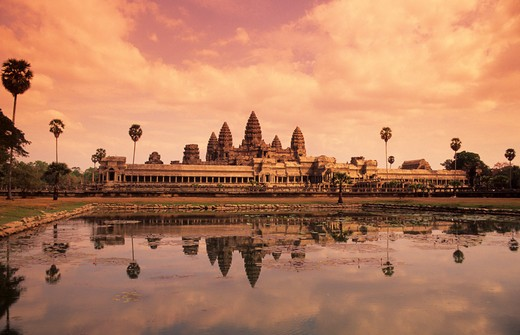 Stock Photo: 4163-10677 CAMBODIA, ANGKOR, ANGKOR WAT REFLECTING IN POND