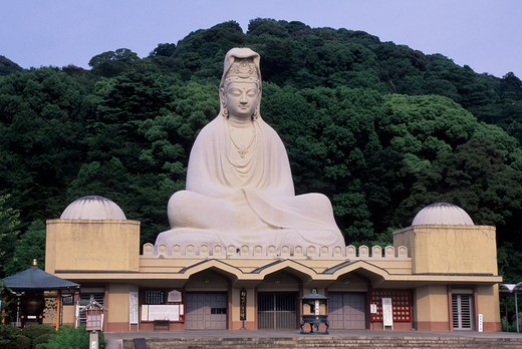 JAPAN, KYOTO, GION DISTRICT, RYOZEN KANNON TEMPLE, GIANT BUDDHA STATUE : Stock Photo