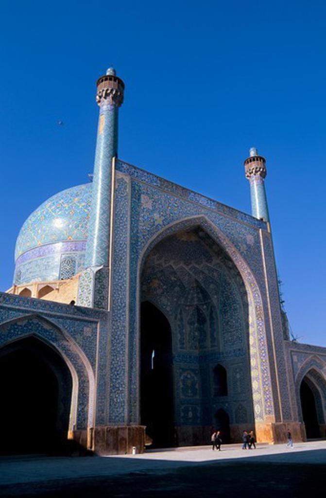 IRAN, ESFAHAN, EMAN KHOMENI SQUARE, IMAM (MASJED-E EMAM) MOSQUE, MINARETS : Stock Photo