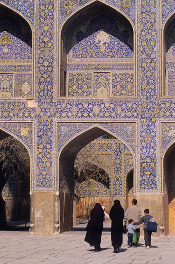 Stock Photo: 4163-11402 IRAN, ESFAHAN, EMAN KHOMENI SQUARE, IMAM (MASJED-E EMAM) MOSQUE, TILEWORK, IRANIAN PEOPLE
