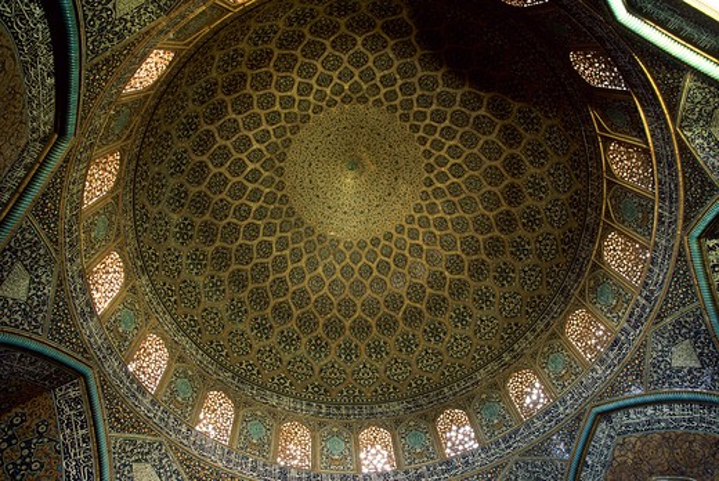 Stock Photo: 4163-11406 IRAN, ESFAHAN, EMAN KHOMENI SQUARE, SHEIKH LOTFOLLAH MOSQUE, INTERIOR, DOME, CEILING