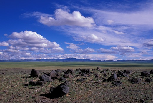 MONGOLIA, GOBI DESERT, NEAR DALANZADGAD, GRASSLANDS (STEPPES) : Stock Photo