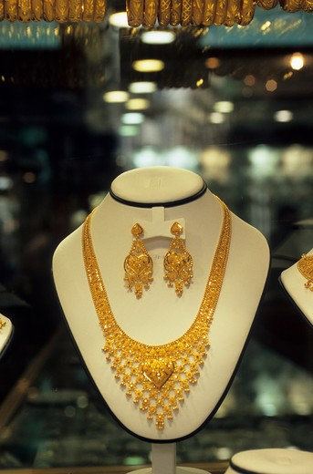 Stock Photo: 4163-11862 UNITED ARAB EMIRATES, DUBAI, GOLD SOUK, WINDOW DISPLAY