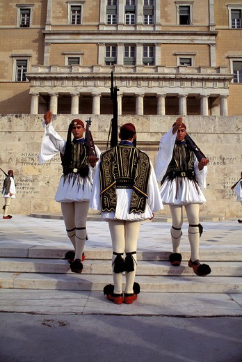 GREECE, ATHENS, TOMB OF THE UNKNOWN SOLDIER, CHANGING OF THE GUARD CEREMONY : Stock Photo
