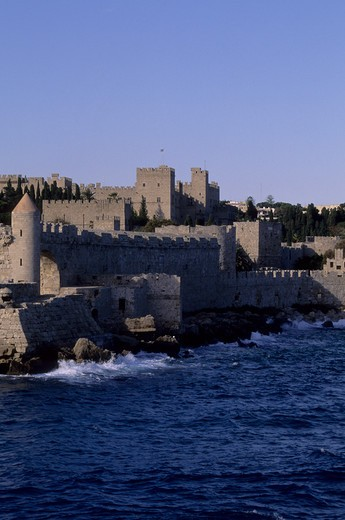 GREECE, RHODES, VIEW OF RHODES WITH FORTIFICATIONS AND PALACE OF THE GRAND MASTER : Stock Photo