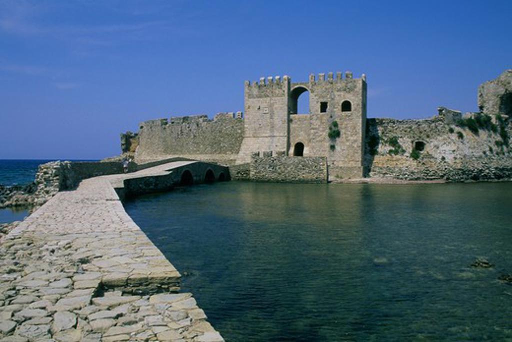 GREECE, METHONI, VENETIAN FORTRESS OF MODONE, 15TH CENTURY, SEAGATE : Stock Photo