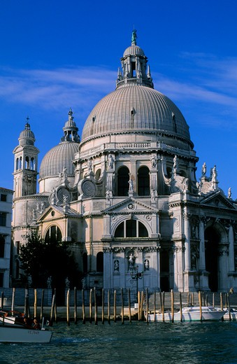 Stock Photo: 4163-13354 ITALY, VENICE, GRAND CANAL, SANTA MARIA DELLA SALUTE