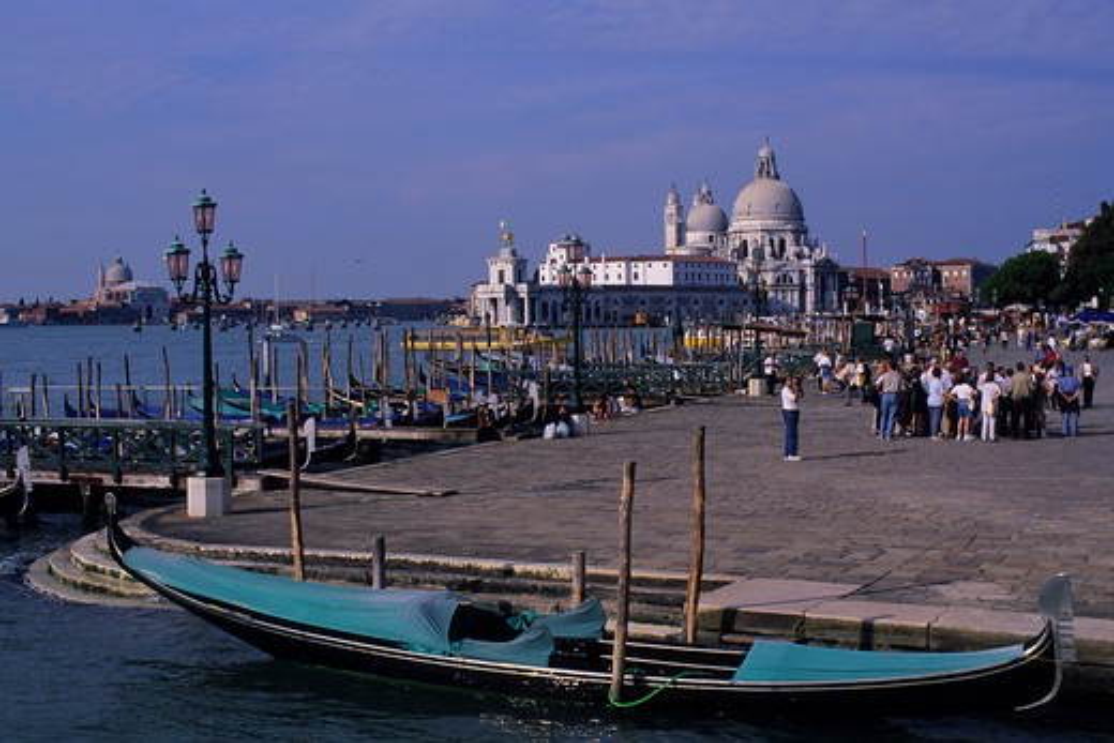 ITALY, VENICE, CANAL SAN MARCO, VENETIAN GONDOLAS WITH SANTA MARIA DELLA SALUTE : Stock Photo