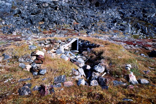 Stock Photo: 4163-1359 CANADA, NUNAVUT, HUDSON BAY, DIGGES ISLAND, ERIK COVE, OLD HUDSON'S BAY OUTPOST, THULE HOUSE SITE REMAINS