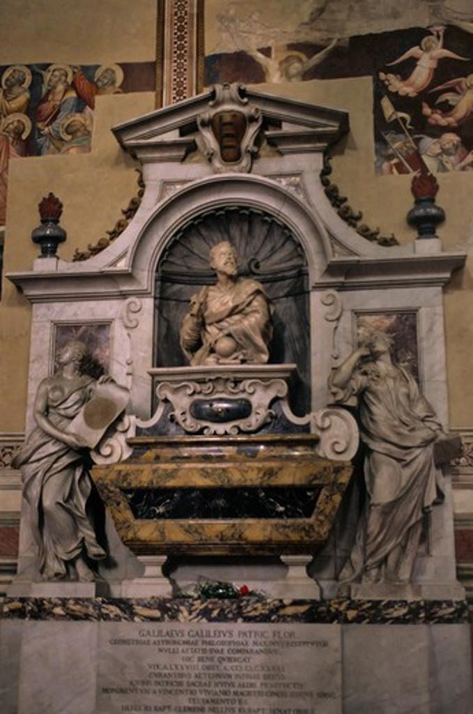 ITALY, FLORENCE, SANTA CROCE CHURCH, INTERIOR, FUNERARY MONUMENT TO GALILEO GALILEI : Stock Photo