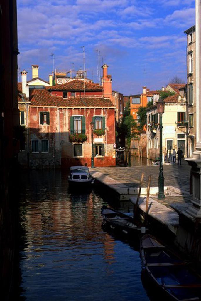 ITALY, VENICE, CANAL SCENE : Stock Photo