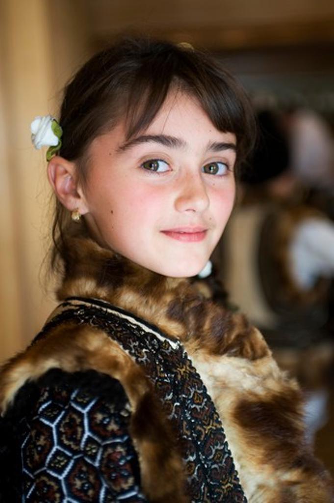 ROMANIA, NEAR SUCEAVA, PORTRAIT OF ROMANIAN GIRL : Stock Photo