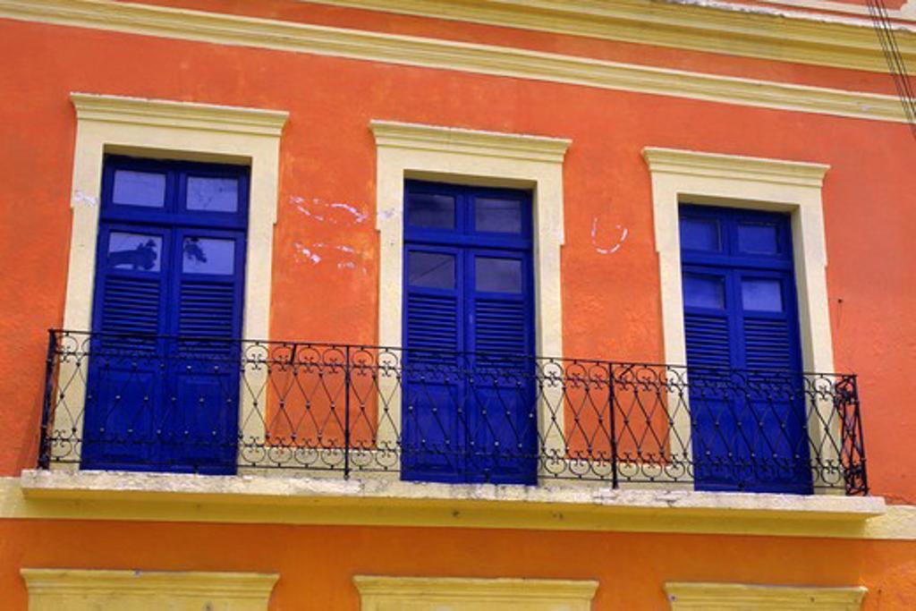 BRAZIL, NEAR RECIFE, OLINDA, COLORFUL HOUSE : Stock Photo