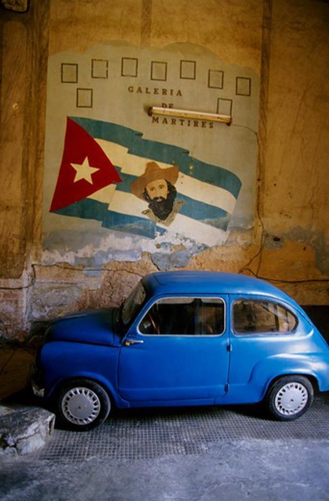 Stock Photo: 4163-18491 CUBA, HAVANA, PALADAR RESTAURANT BUILDING, MOVIE SET FOR 'STRAWBERRIES AND CHOCOLATE', CAR, SIGN
