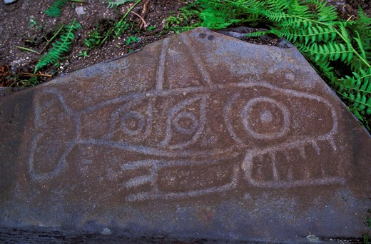 USA,ALASKA,INSIDE PASSAGE, WRANGELL IS., PETROGLYPH BEACH, ORCA PETROGLYPH : Stock Photo