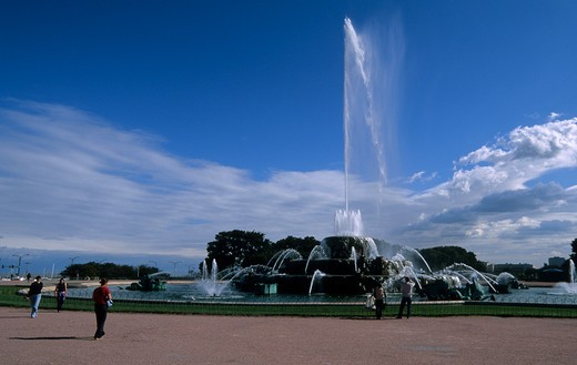USA, ILLINOIS, CHICAGO, GRANT PARK, BUCKINGHAM FOUNTAIN : Stock Photo