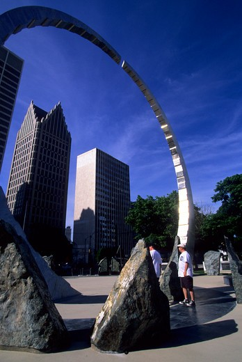 Stock Photo: 4163-4133 USA, MICHIGAN, DETROIT, RIVERFRONT, HART PLAZA, TRANSCENDING, SCULPTURE,  DOWNTOWN IN BACKGROUND