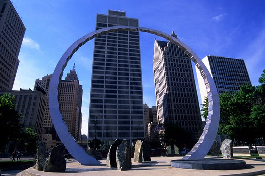 Stock Photo: 4163-4134 USA, MICHIGAN, DETROIT, RIVERFRONT, HART PLAZA, TRANSCENDING, SCULPTURE,  DOWNTOWN IN BACKGROUND