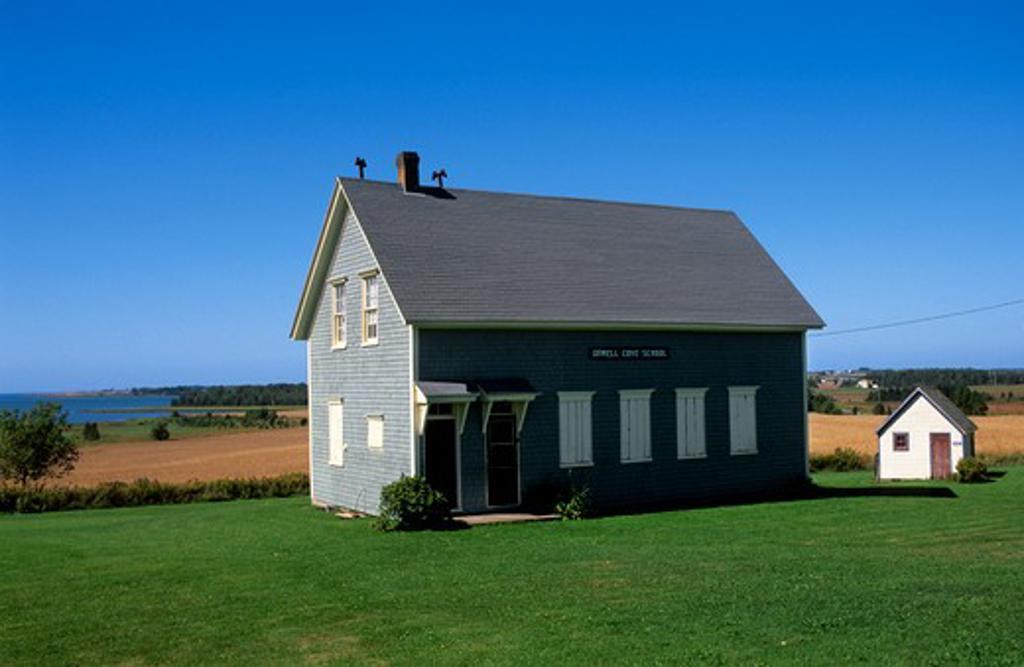 CANADA, PRINCE EDWARD ISLAND, ORWELL COVE SCHOOL HOUSE : Stock Photo