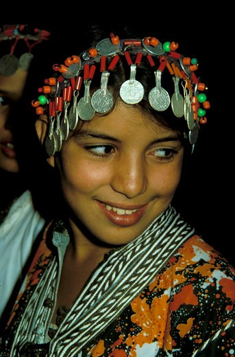 Stock Photo: 4163-6062 MOROCCO, YOUNG BERBER GIRL WITH TRADITIONAL HEADDRESS MADE WITH COINS