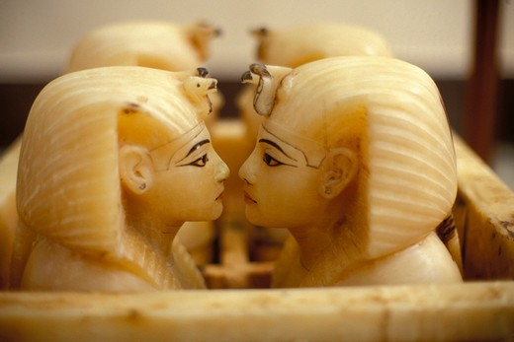 EGYPT, CAIRO, EGYPTIAN MUSEUM OF ANTIQUITIES, TUTANKHAMUN'S TREASURE, ALABASTER CANOPIC CHEST : Stock Photo