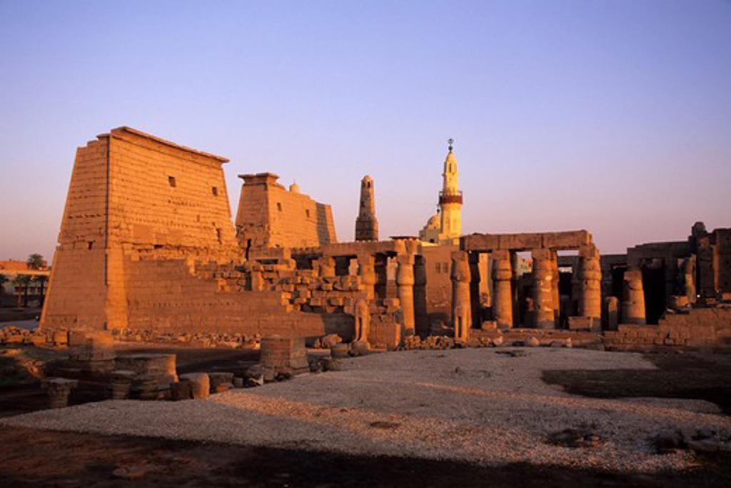 EGYPT, NILE RIVER, LUXOR, TEMPLE OF LUXOR : Stock Photo