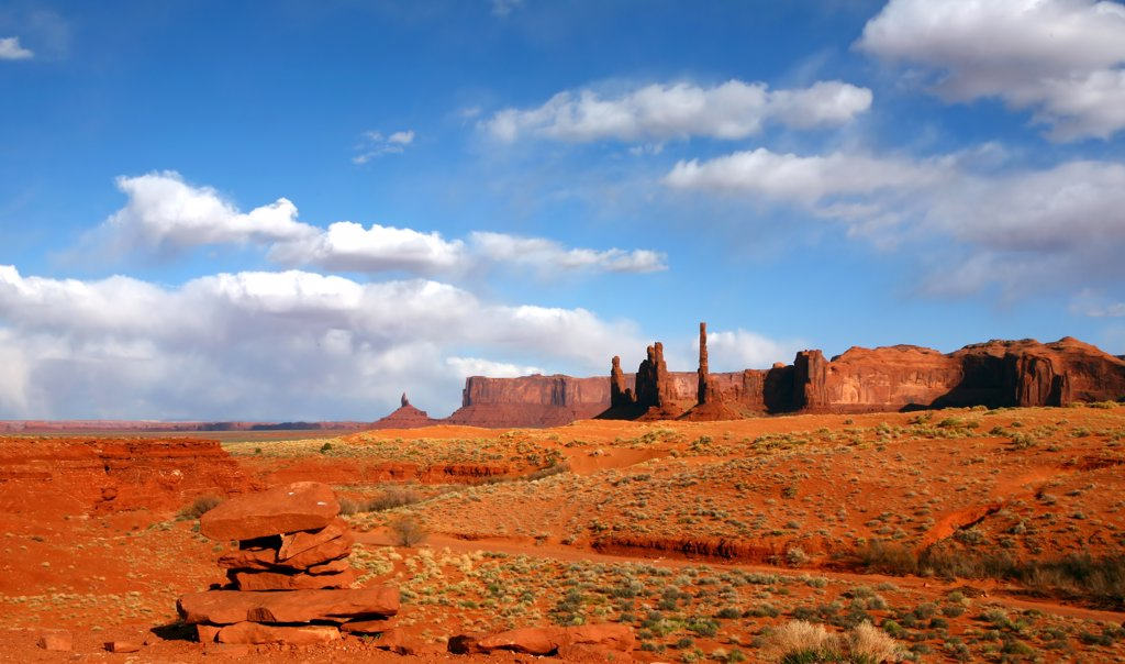 Beautiful Landscape of the Desert Area of Monument Valley USA : Stock Photo