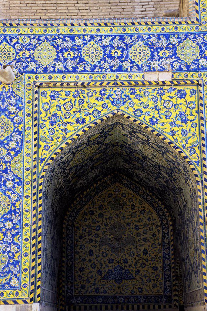 Stock Photo: 4168-10766 Iran, Esfahan, Eman Khomeni Square, Imam (Masjed-E Emam) Mosque, Tilework