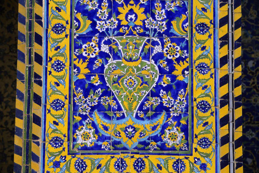 Stock Photo: 4168-10772 Iran, Esfahan, Eman Khomeni Square, Imam (Masjed-E Emam) Mosque, Tilework, Detail