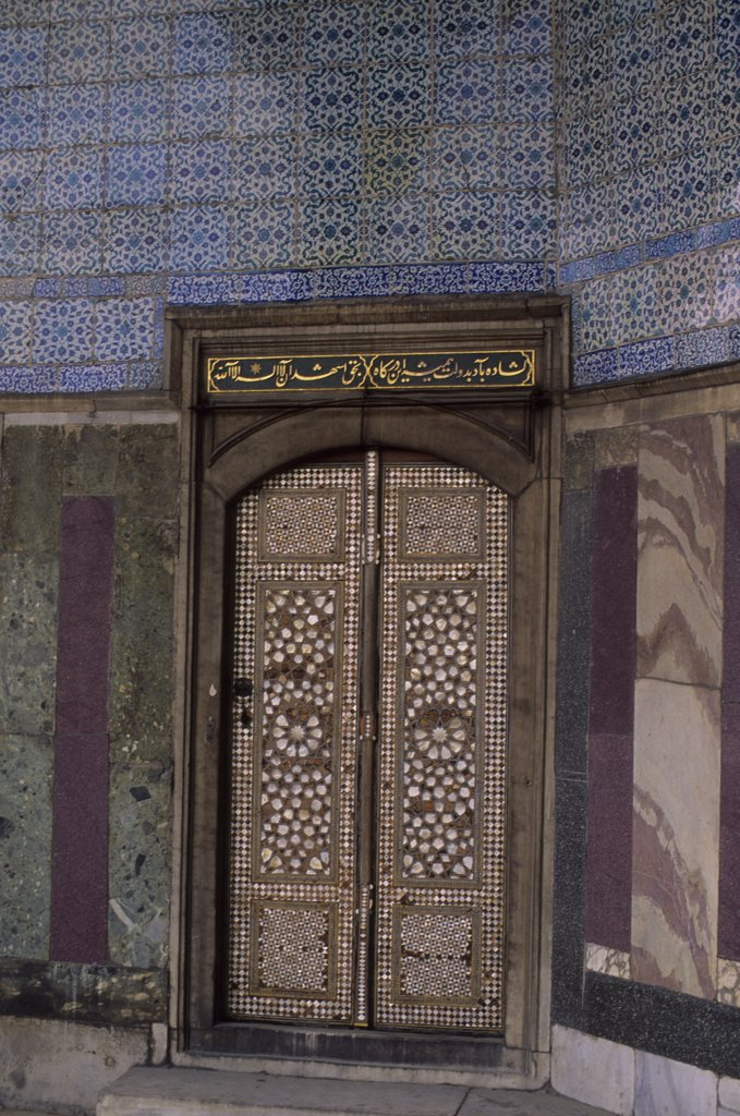 Stock Photo: 4168-11308 Turkey, Istanbul, Topkapi Palace, Door With Inlayed Mother Of Pearl