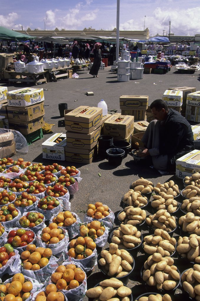 Stock Photo: 4168-12186 Saudi Arabia, Near Abha, Al Wadijan, Friday Market, Tomatoes, Oranges, And Potatoes