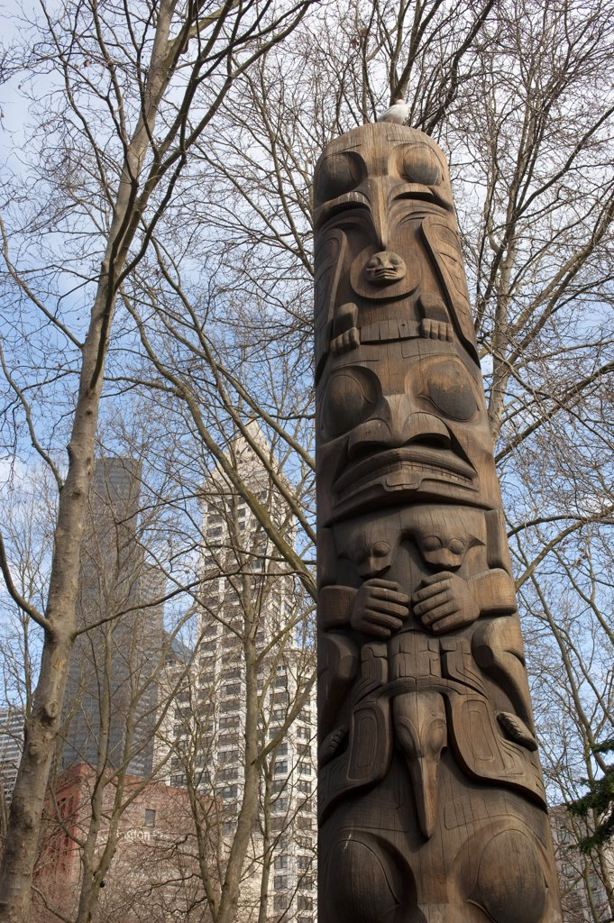 Stock Photo: 4168-12658 Usa, Washington State, Seattle, Occidental Park, Totem Pole