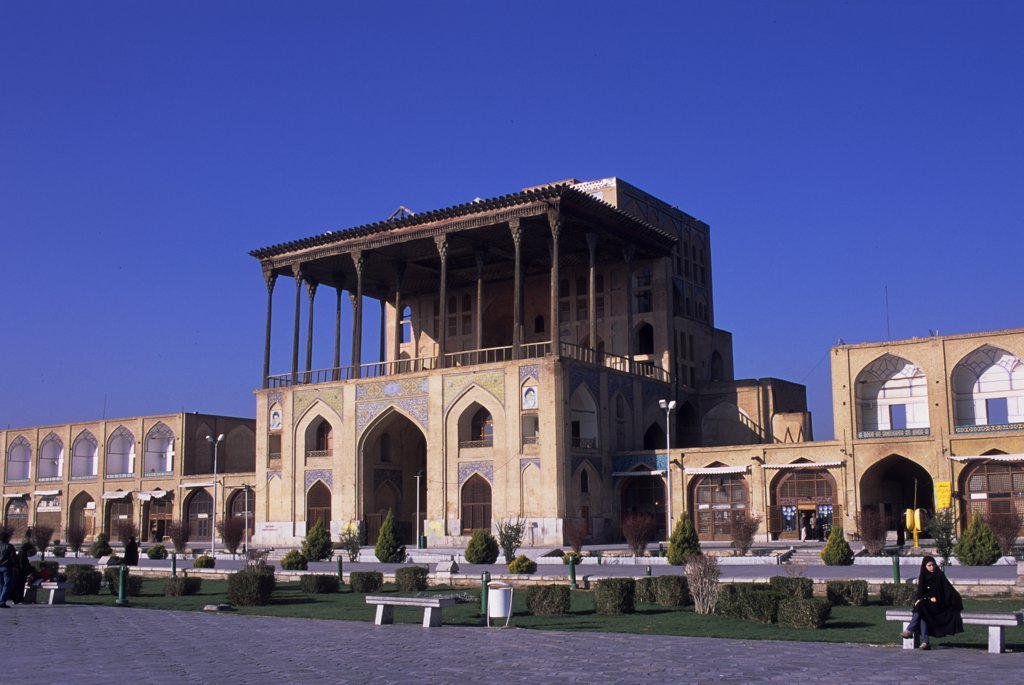 Iran, Esfahan, Eman Khomeni Square, Ali Qapu Palace : Stock Photo