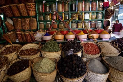 Stock Photo: 4168-1434 EGYPT, ASWAN, BAZAAR, SPICES FOR SALE, CHILI PEPPERS