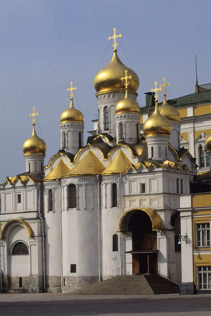 Stock Photo: 4168-3138 Russia, Moscow, Kremlin, Cathedral Square, Annunciation Cathedral