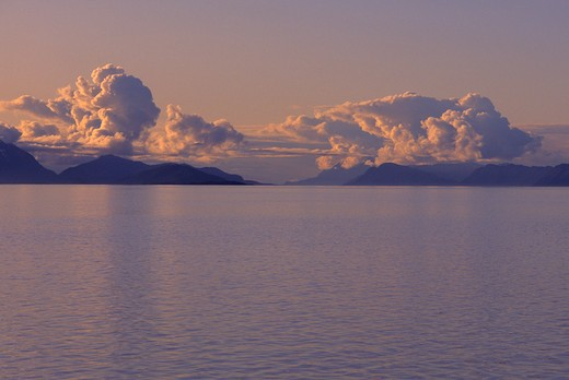 Usa, Alaska, Inside Passage, Frederick Sound, Near Admirality Island, Evening : Stock Photo